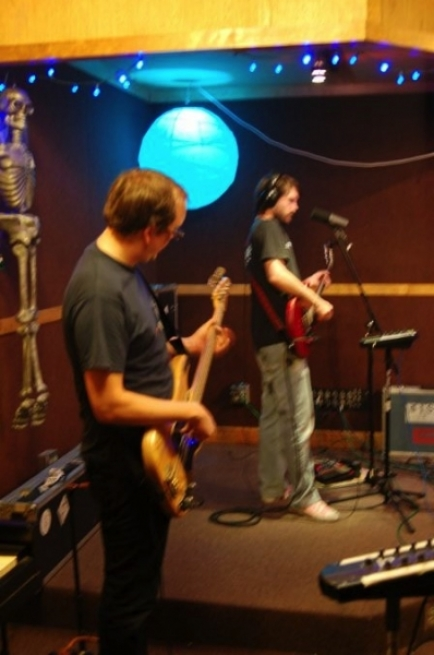 Post image for Luxury Wafers Exclusive: Cursive, Live@Chessvolt Studios with Video and Mp3s
