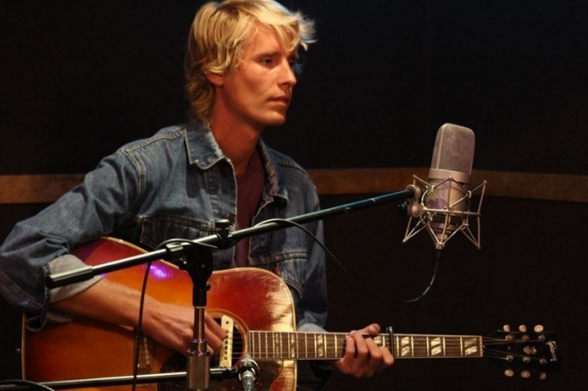 Post image for Luxury Wafers Exclusive: Tom Brosseau, live@Chessvolt Studios with Angela Correa; Videos and Mp3s